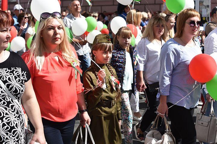 belarus-pomnit-prazdnichnoe-shestvie11
