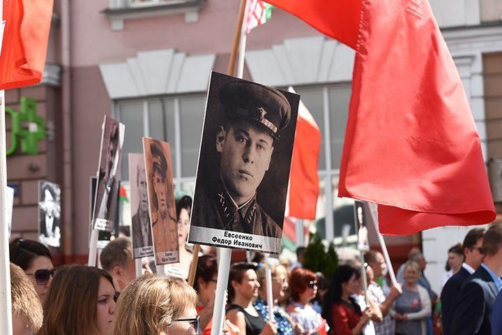 belarus-pomnit-prazdnichnoe-shestvie13