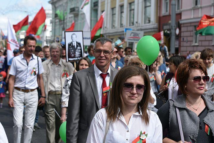 belarus-pomnit-prazdnichnoe-shestvie23