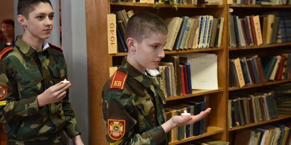 vojnu-propustit-ya-ne-mog-v-gomelskoj-biblioteke-otkrylas-fotovystavka-afganca-alekseya-kozlova9